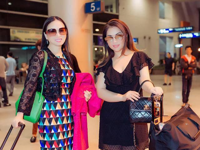 Chị em Hà Phương và Minh Tuyết hiếm hoi xuất hiện cùng nhau tại sân bay Tân Sơn Nhất