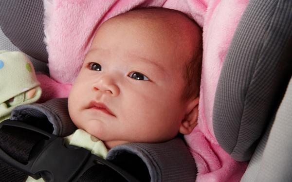 Trẻ sơ sinh hay rặn è è có ảnh hưởng tới sức khỏe không? - 1