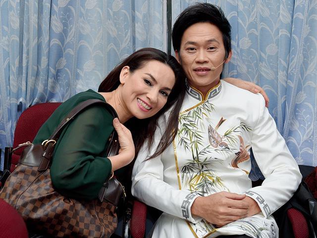 Phi Nhung khiến mọi người ngạc nhiên khi tiết lộ: Bố mẹ Hoài Linh xúi cả hai cưới nhau