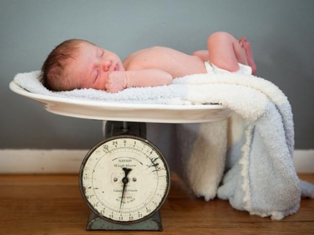 5 lý do vì sao mẹ khỏe mạnh vẫn sinh con thấp bé nhẹ cân