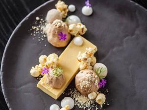 Plated dessert - món tráng miệng kiểu hoàng gia