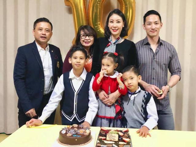 Hoa hậu Hà Kiều Anh rạng rỡ bên chồng đại gia trong ngày sinh nhật con trai tròn 10 tuổi
