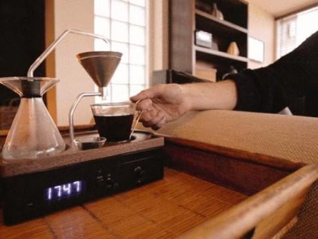 """Chiếc đồng hồ biết pha cafe độc đáo: Sản phẩm cực chất dành cho những """"chú sâu ngủ"""""""