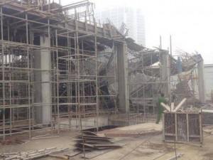 Cận cảnh phía trong công trình giàn giáo đổ sập, khiến 3 công nhân tử vong tại chỗ