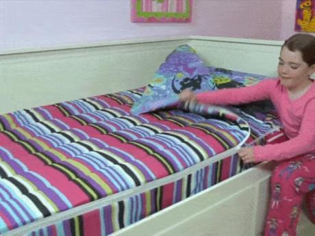 Cả đời không cần gấp chăn, giường lúc nào cũng gọn nhờ bộ chăn ga khóa kéo cực tiện