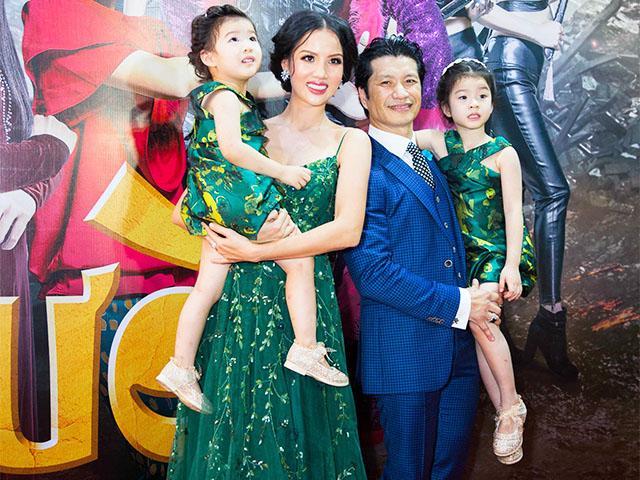 Lâu rồi vợ chồng Bebe Phạm mới lại khoe 2 cô con gái xinh như thiên thần trước công chúng