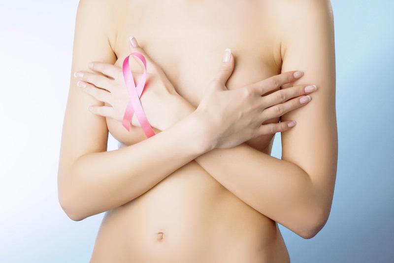 Một bộ ngựcđẹp không chỉ là hình dángmà màu sắc nhũ hoa cũng phải hồng hào.