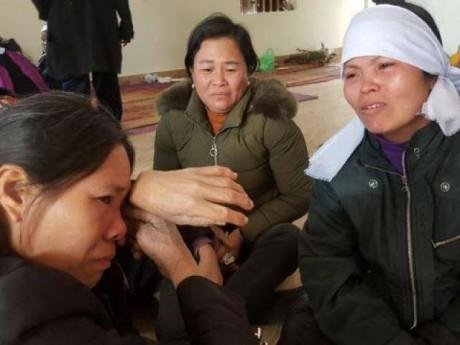 Nghẹn lòng đám tang 4 người trong một gia đình đuối nước những ngày cận Tết