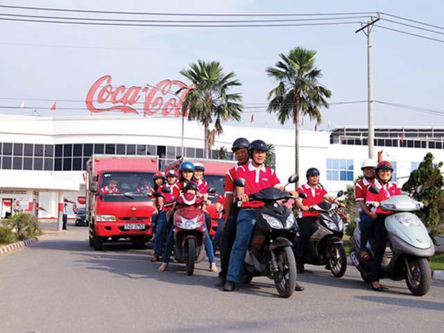 Hành trình chuyên chở yêu thương của chiếc xe tải đỏ