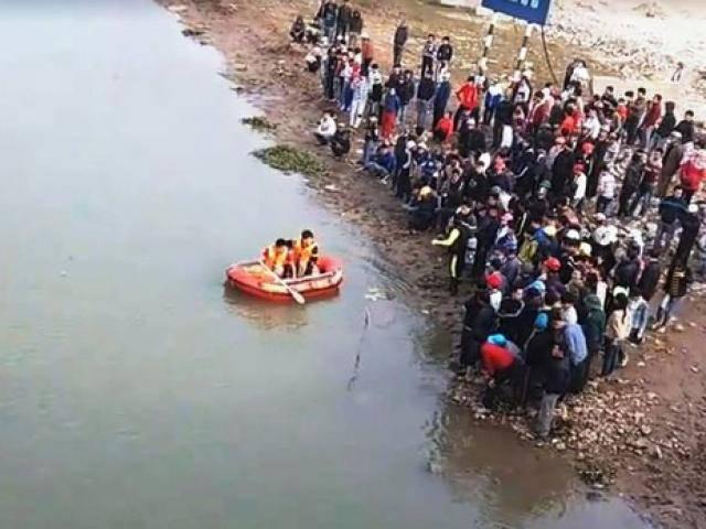Nam sinh chết thương tâm khi cứu 3 mẹ con đuối nước lúc thả cá tiễn ông Công ông Táo