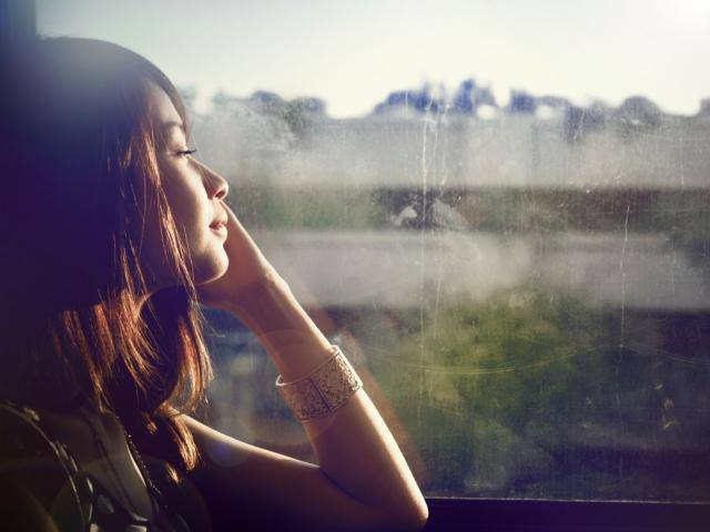 2 năm yêu xa, ngày trở về tôi sững sờ khi nhận ra anh chính là ...