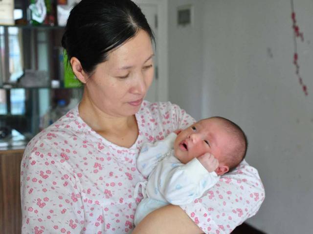 Ngược đời: mẹ Việt ngày càng thoáng, mẹ Tây lại bắt đầu ủng hộ kiêng cữ sau sinh