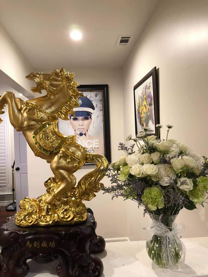 Không khí tết Việt ấm cúng ngập tràn trong ngôi nhà của ca sĩ Hồng Ngọc tại Mỹ