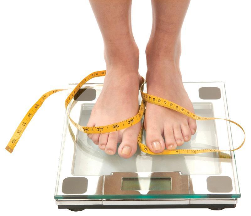 Phải làm gì khi cứ đến Tết là cân cứ tăng và cơ thể đầy độc tố do ăn uống bừa bãi?
