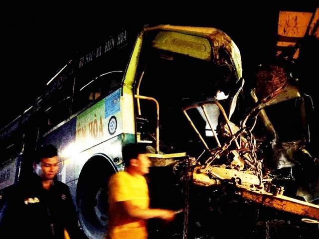 Tai nạn liên hoàn trên Quốc lộ 20 khiến 7 người thương vong