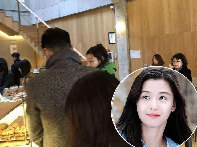 Mới sinh được nửa tháng, Mợ chảnh Jeon Ji Hyun chẳng chịu kiêng cữ ra ngoài hẹn hò