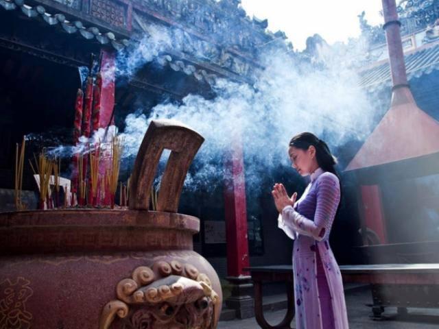 Đầu năm đi lễ chùa thế nào cho đúng theo quan điểm nhà Phật
