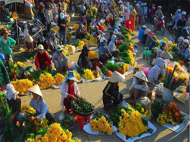 Những phiên chợ Tết độc đáo của người Việt nhất định không thể bỏ qua ở Hà Nội