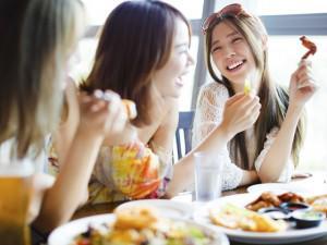 Ăn thế nào để thoải mái vui chơi mà không lo đầy bụng, khó tiêu vào dịp Tết?
