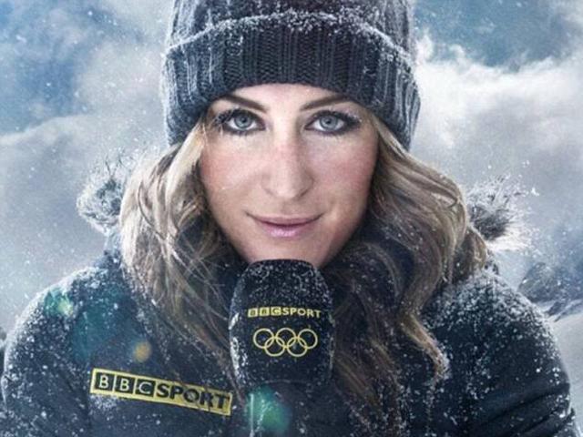 Nữ phóng viên á khẩu vì lớp trang điểm đóng băng khi đang tác nghiệp ngoài trời