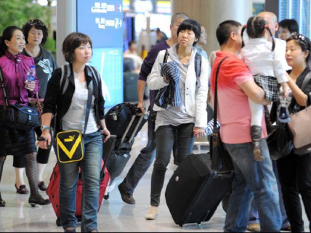 Đi du lịch ngày Tết: Những chuyến đi ích kỷ, bỏ mặc người thân?