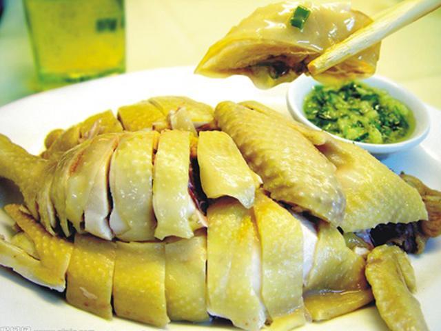 Thịt gà - món ăn quen thuộc ngày Tết tưởng dễ ăn nhưng hóa ra toàn ăn sai cách