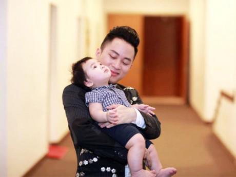 """Đầu năm mới Mậu Tuất 2018, Tùng Dương hé lộ phát ngôn cũ gây """"bão"""""""