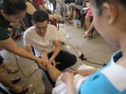 Vợ đang mang thai, chồng hãy học ngay những tuyệt chiêu massage cho bà bầu này!