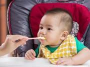 Trẻ ăn vào là bị nôn có sao không?