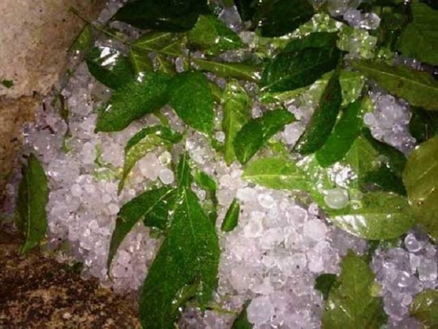 Giải mã hiện tượng lốc xoáy, mưa đá bất ngờ ở Nghệ An sau Tết