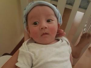 Lần đầu lộ rõ ảnh cận mặt con trai kháu khỉnh của Trang Khiếu