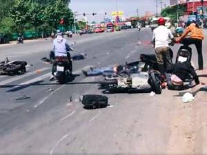 Công an nói về vụ xe khách tông 6 người, kéo lê cô gái