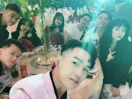 Dàn thí sinh The Voice đến chung vui trong tiệc cưới của học trò Đông Nhi