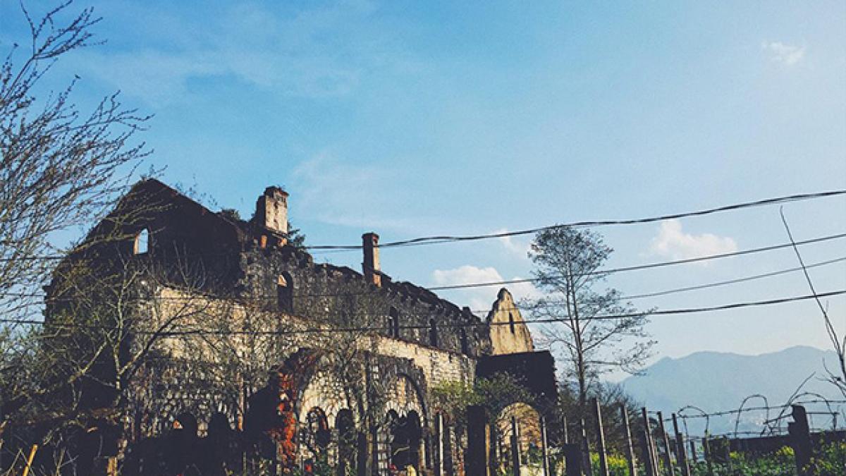 Tu viện cổ Tả Phìn