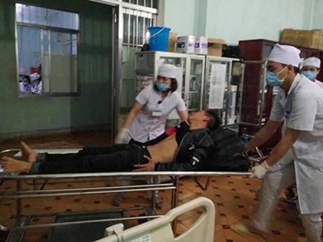 Kon Tum: Xe khách lật xuống vực, 20 người thương vong