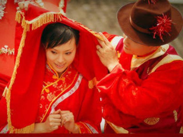 Cô dâu Trung Quốc nổi điên tát khách mời vì hành động thiếu lịch sự