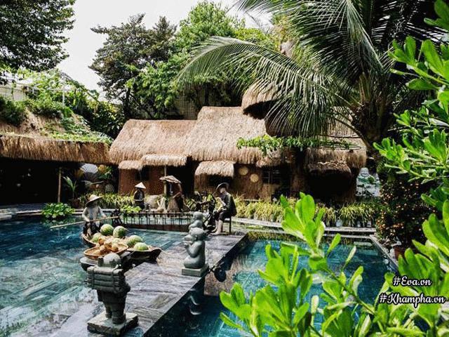 Bỏ biệt thự phố, NTK Việt dựng nhà tranh vách đất giữa lòng Sài Gòn, sống giản dị an yên