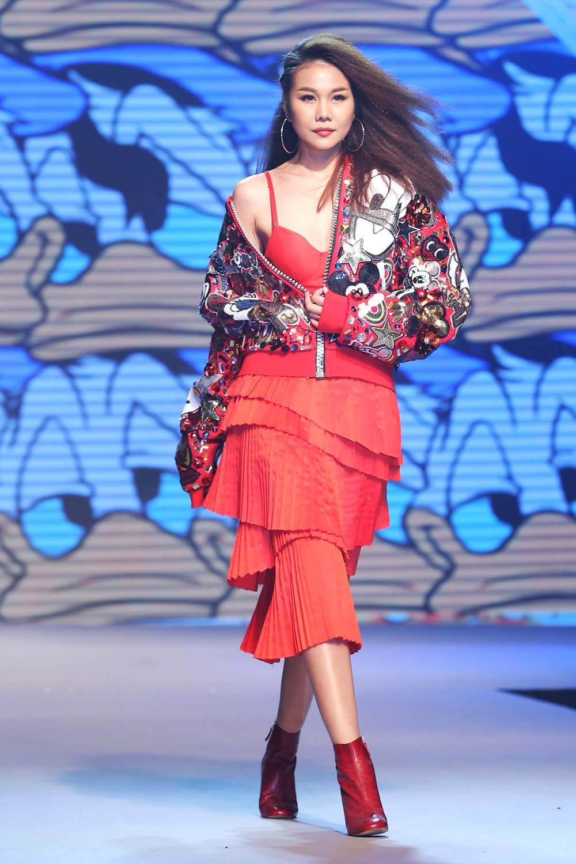 Vietnamese fashion designer minh hang Elle Vietnam: Minh Hang on Behance