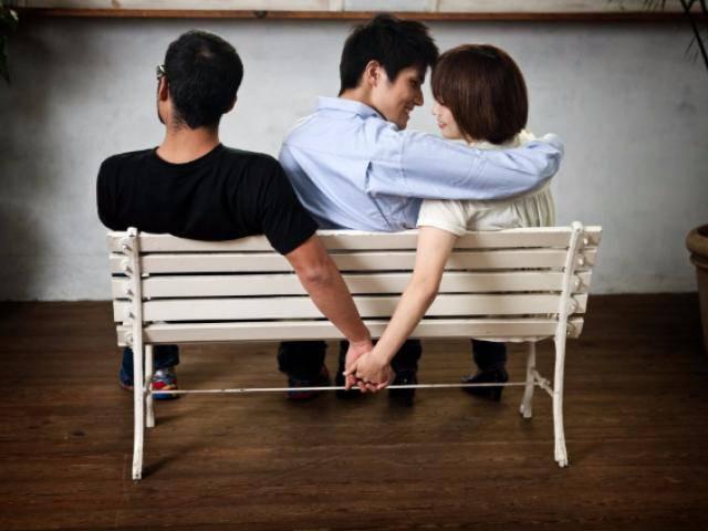 Đắng lòng thanh niên vừa đi nghĩa vụ, bạn thân ở nhà đã mượn luôn bạn gái