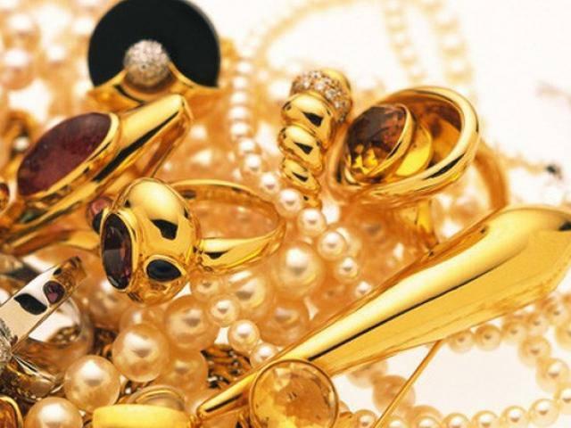 Giá vàng hôm nay 6/3: Vàng trong nước đảo chiều giảm nhẹ