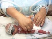 """IVF thành công ngay lần đầu, mẹ vẫn  """" lao đao """"  vì hành trình đầy sóng gió của bé sinh non"""