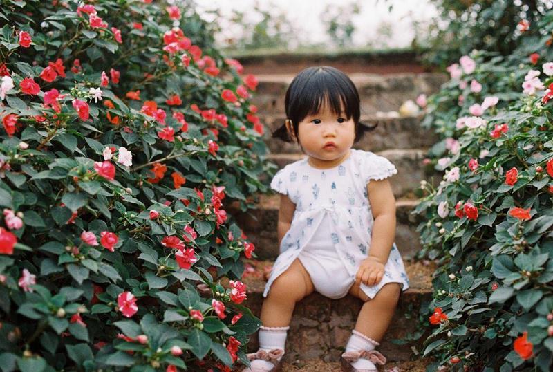 Bé Nhố đến nay vừa tròn 1 tuổi là con gái chị Nguyên Mai (Linh Đàm, Hà Nội).