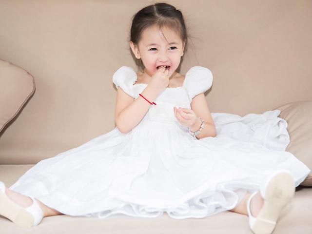 Thừa hưởng gen mỹ nhân, con gái HH Hà Kiều Anh càng lớn càng xinh khiến ai cũng ngẩn ngơ