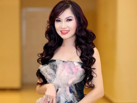 Kavie Trần diện đầm trăm triệu dự sự kiện tôn vinh phụ nữ