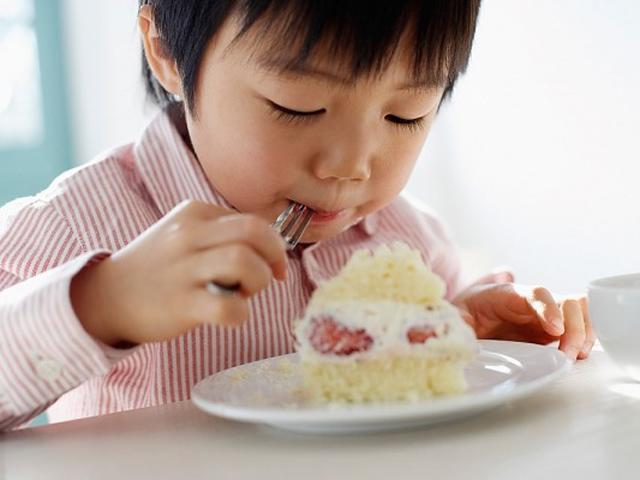Càng ăn nhiều thực phẩm giàu canxi, trẻ sẽ càng phát triển chiều cao tối đa?