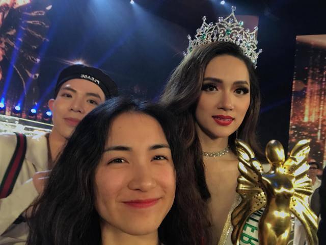 Clip hot: Hoà Minzy, Erik hét khàn cả cổ khi Hương Giang Idol đoạt ngôi vị Hoa hậu
