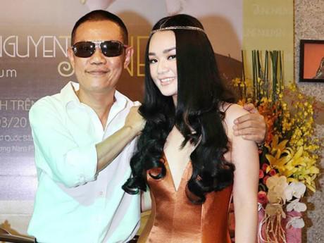 Bạn gái xinh đẹp kém 26 tuổi của nhạc sĩ Quốc Bảo là ai?