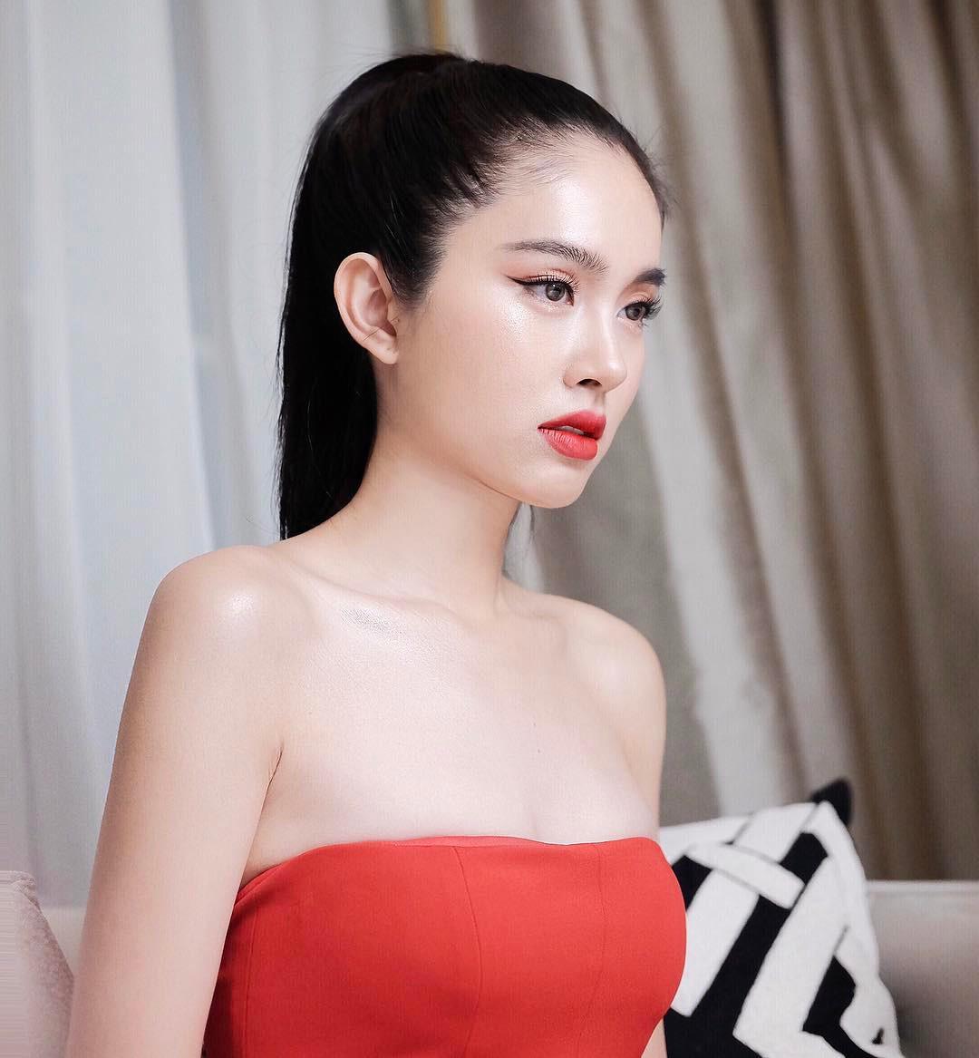 Ngoài Hương Giang Idol, Châu Á Còn Có Vô Số Mỹ Nhân Chuyển