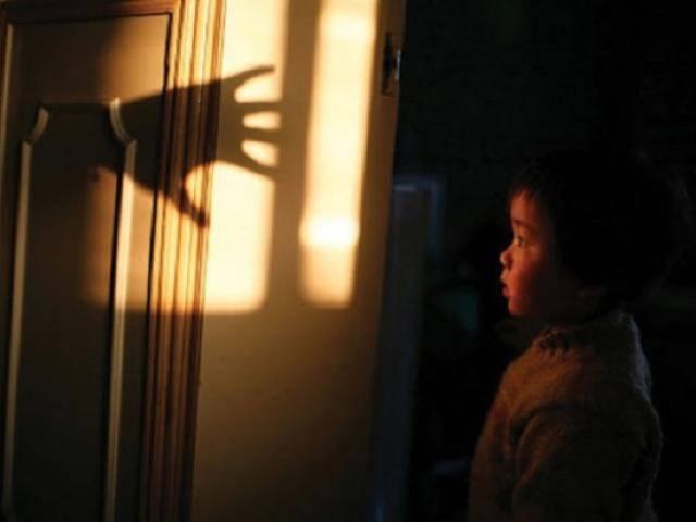 Cách hay dạy con đối mặt với nỗi sợ ma của bà mẹ Trung Quốc