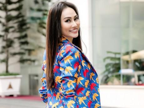 Nàng Á hậu xinh đẹp dẫn VTV: Bận rộn đến nỗi không có thời gian tính chuyện yêu đương